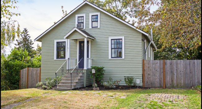 NEW LISTING: Updated Columbia City Bungalow Charms the Senses